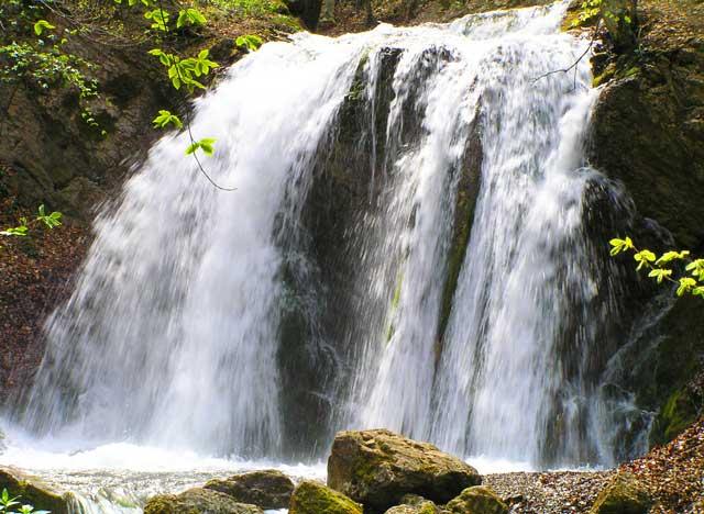 Водопады-Головкинского.