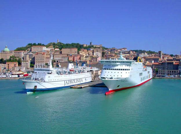 Испанский-водный-транспорт-